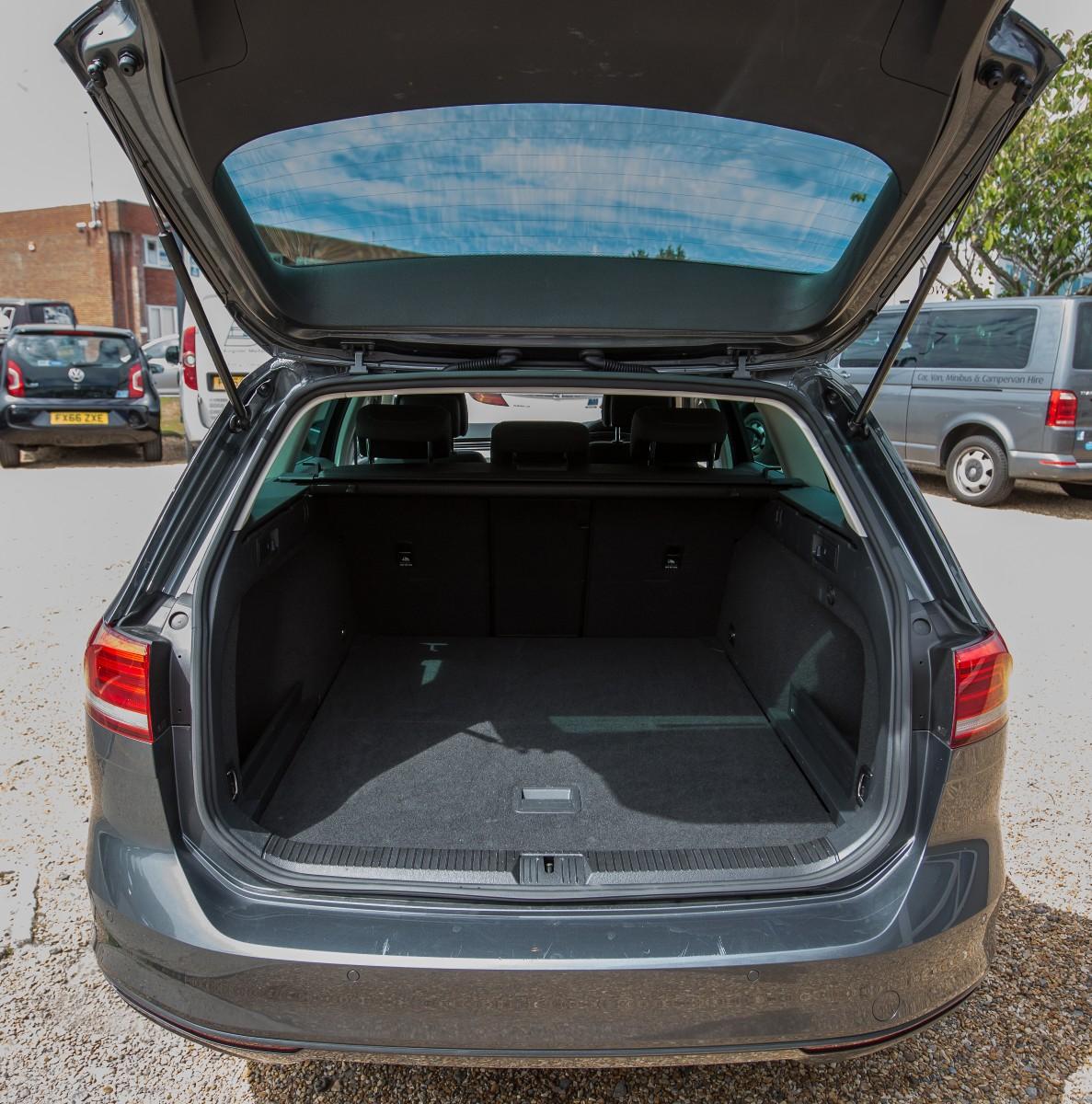 Volkswagen Passat 2.0 TDI BlueMotion Tech SE Business DSG